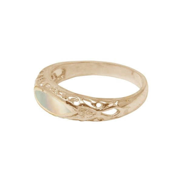 Yellow Gold Mother of Pearl Oval Ring